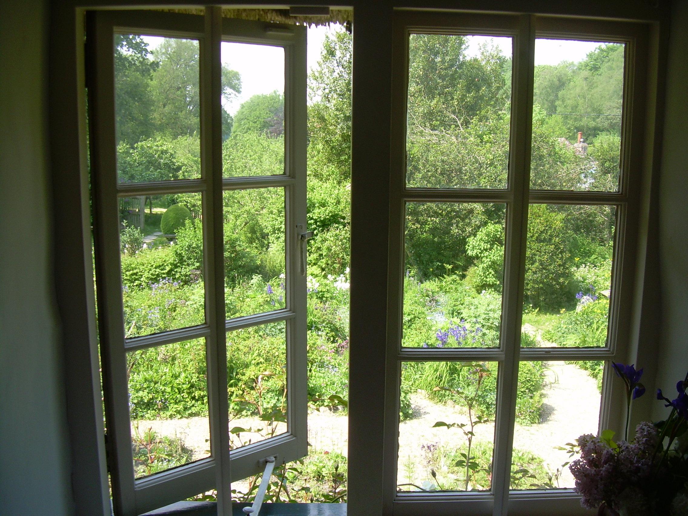 hardyes-window